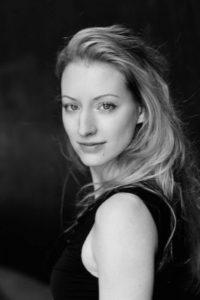 Schauspielerin Lena Biallawons